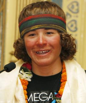 Jauniausias žmogus, įkopęs į Everestą